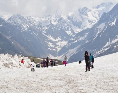 Kullu Manali Tour Package from Hyderabad